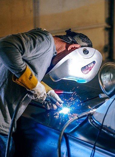 Manufacturing trailer vehicle restraint repair ServSwift